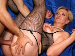 Young couple to rub belliess hot MILF