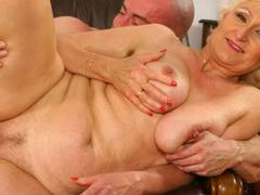Horny blonde opens wide for a fist-poke